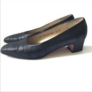 Salvatore Ferragamo pumps black textured size 5.5